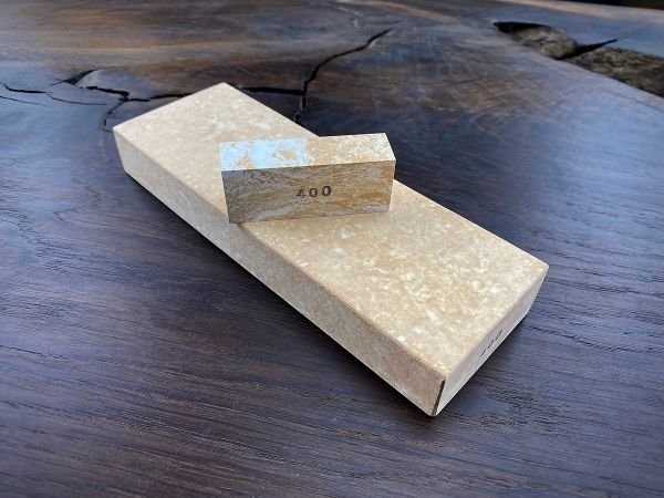 400er Wasserschärfstein Pro mit Tomo-zuri - Keramik - Messer Schleifstein